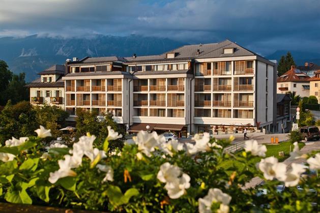 Bw Premier Hotel Lovec