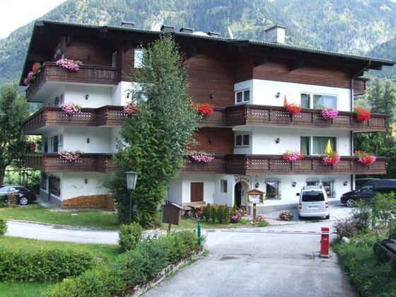 Alpina Apartment
