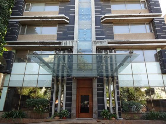 Hotel Cosmopolitan Ahmedabad