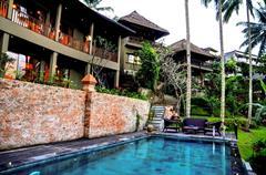 Kampung Resort