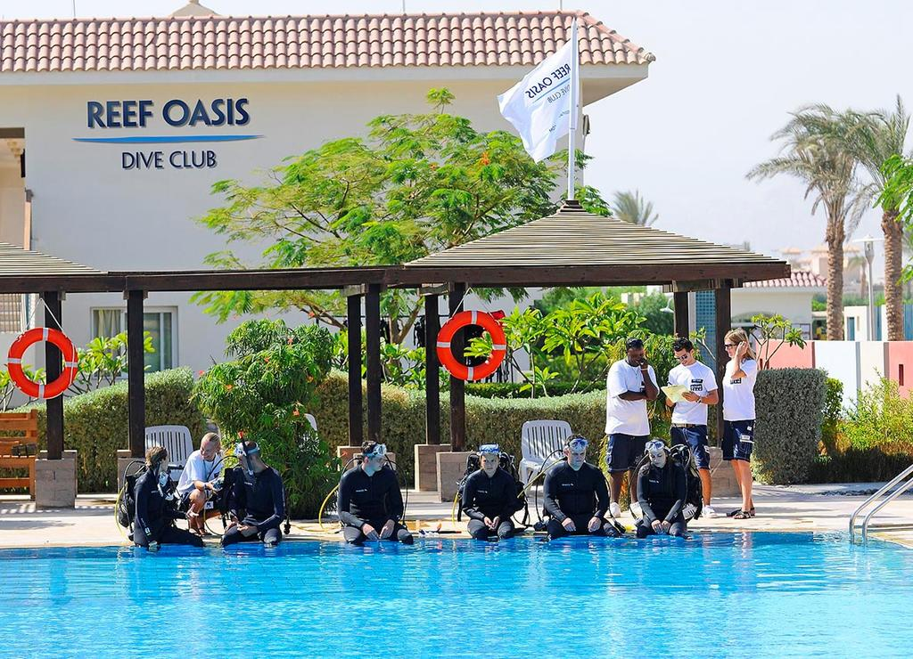 Отель Reef Oasis Blue Bay Resort & Spa 5*