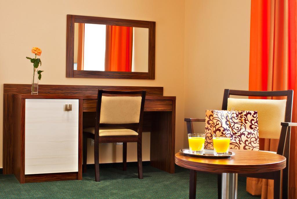 Viktor Hotel