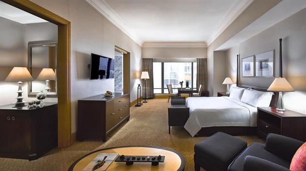 The Ritz Carlton Jakarta, Mega Kuningan