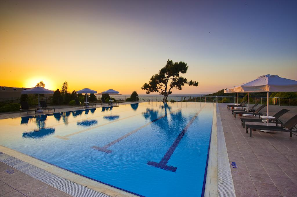 Hilton Bodrum Turkbuku Resort & Spa