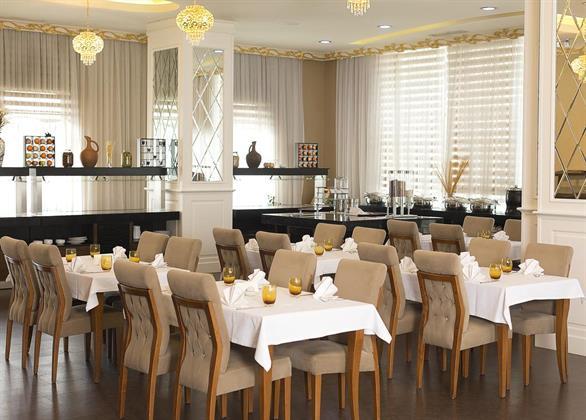 Divan Express Hotel Baku