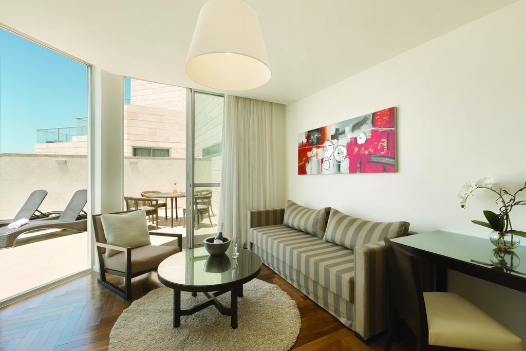 Ramada Hotels & Suites