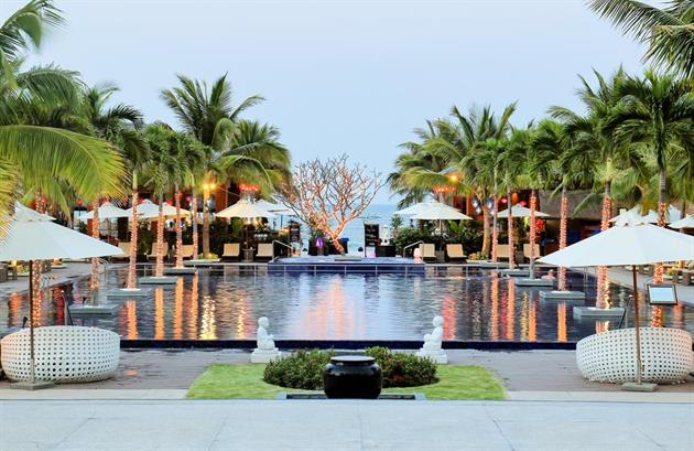 Sunrise Premium Resort (ex: Sunrise Hoi An Beach Resort)