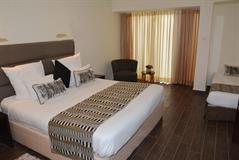 C Hotel Neve Ilan