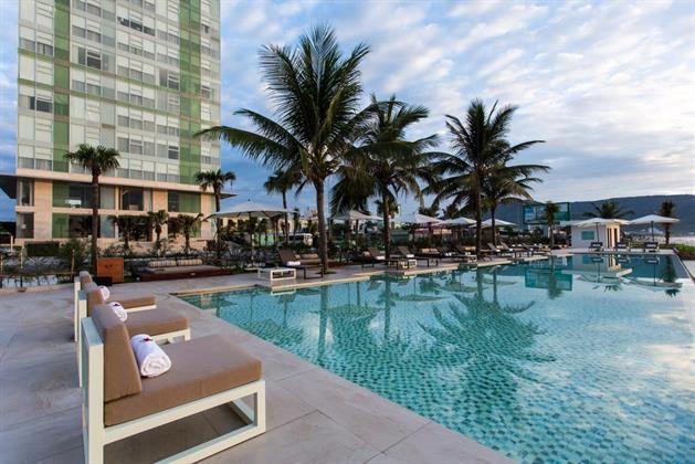 Fusion Suite Da Nang Beach