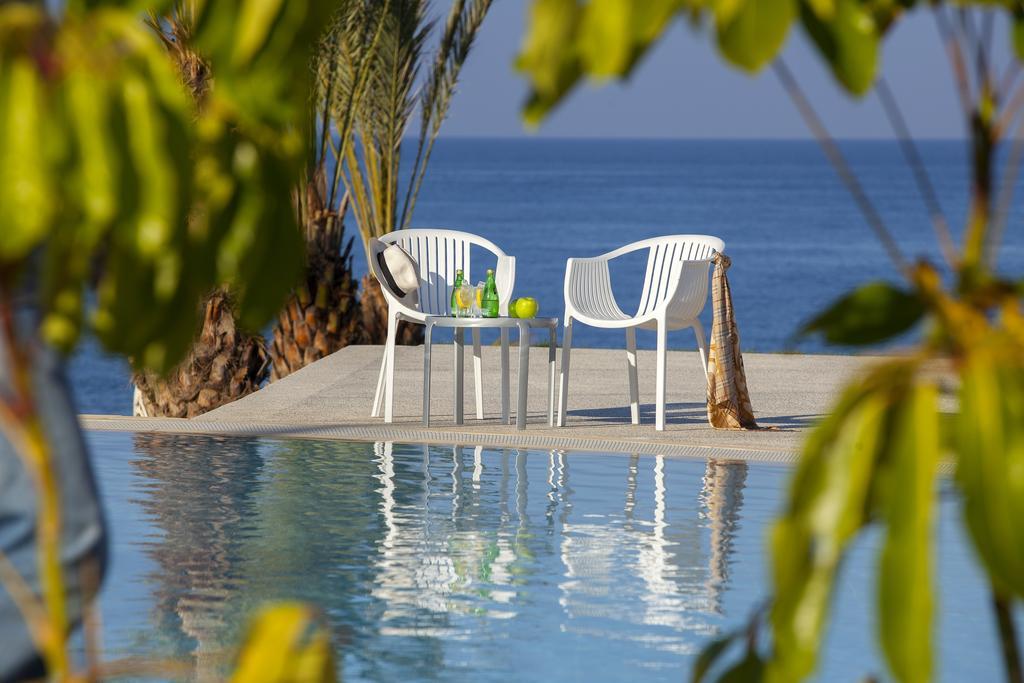 King Evelthon Beach Hotel