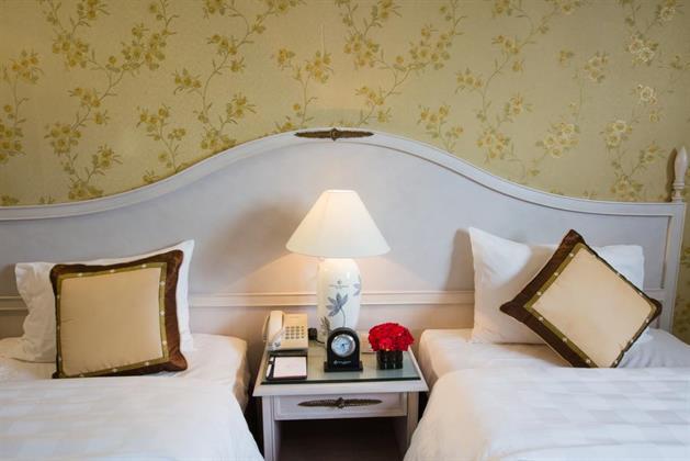 Chalcedony Hotel