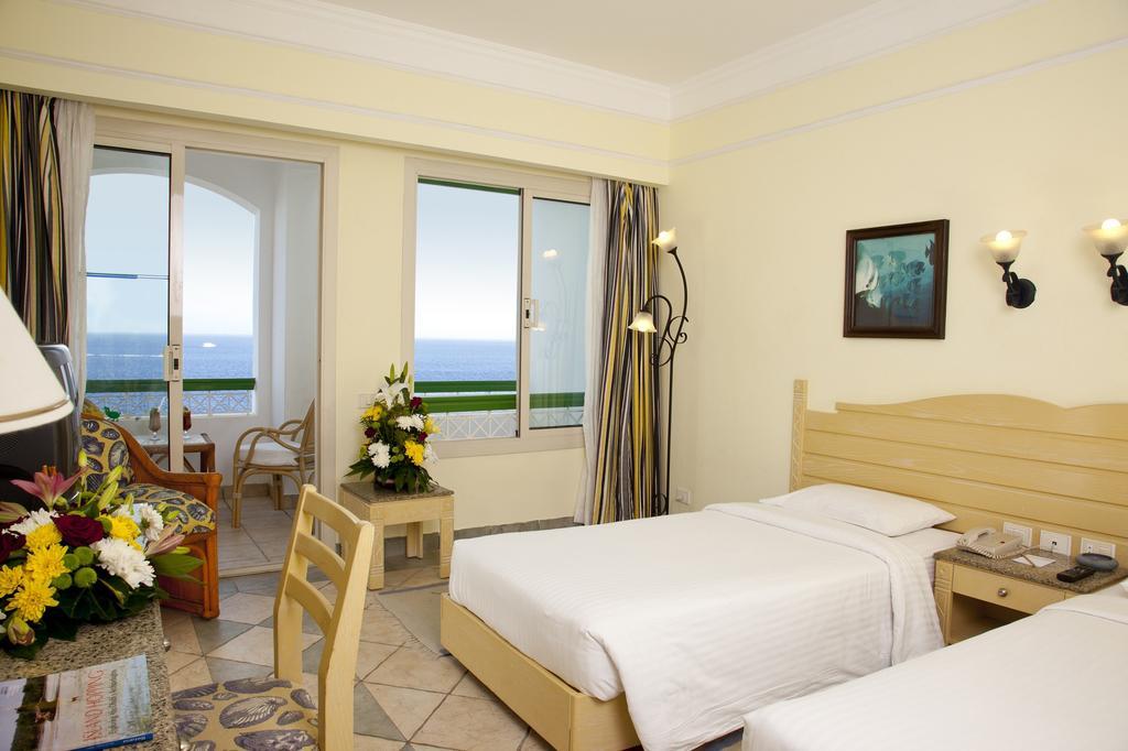Coral Beach Tiran