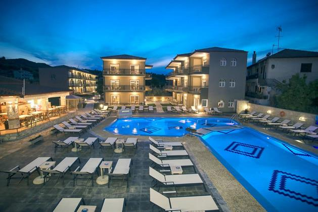 Royal Hotel & Spa Resort