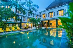 Casa Padma Hotel & Suite