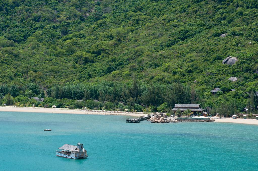 An Lam Ninh Van Bay