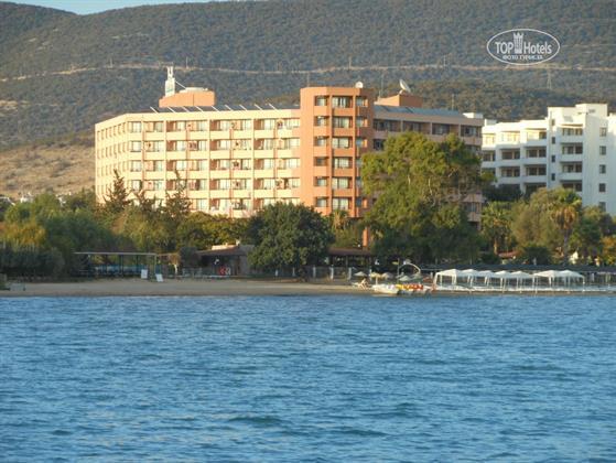 The Holiday Resort Hotel