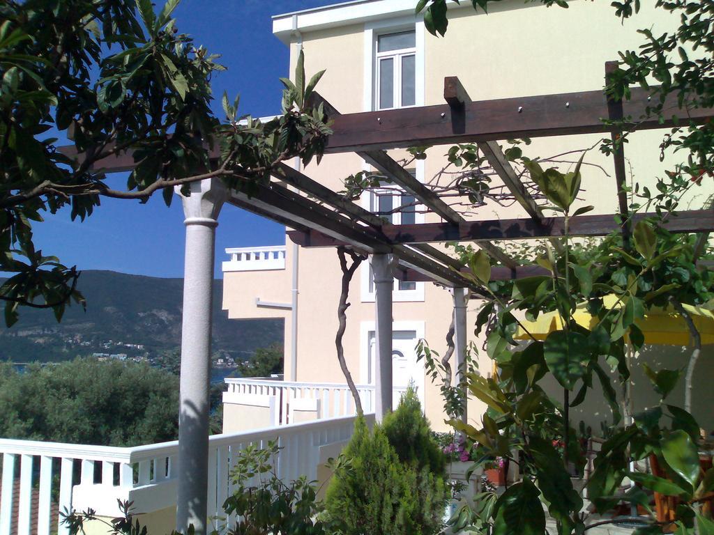 Villa Tenzera