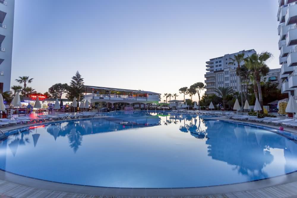 Senza Hotels Grand Santana