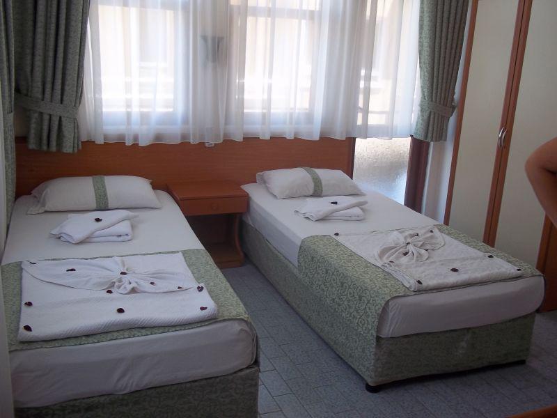 Cleopatra Alis Hotel